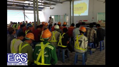 Huấn luyện an toàn lao động trong xây dựng